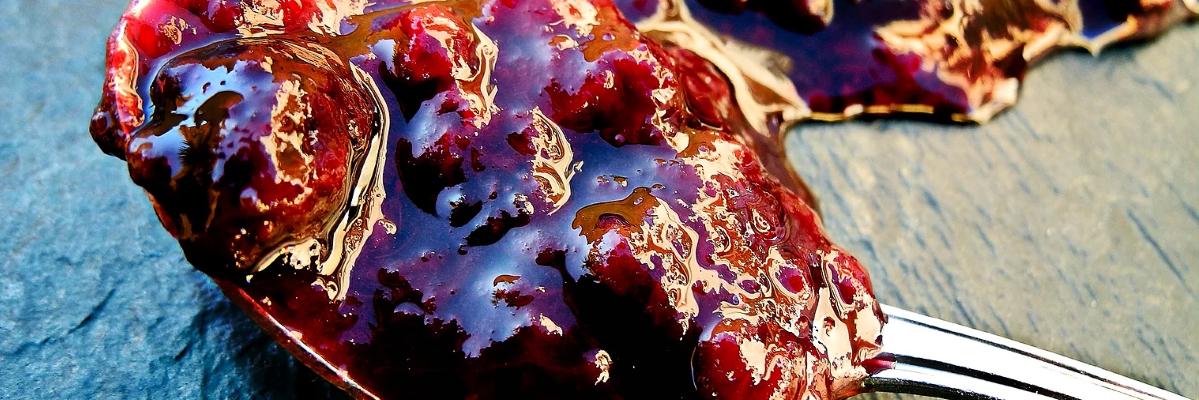 Fotografía de elaborados, envases y piezas de las doñas mermeladas