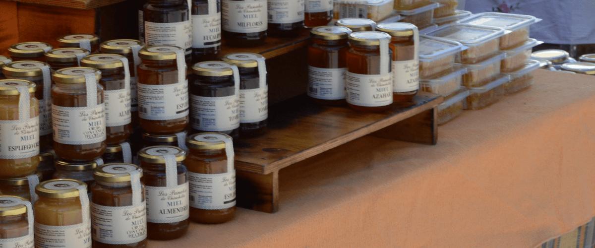 Fotografía donde se ve miel . MIEL LOS PANALES DE CHINCHILLA - MIEL - QUIERO DELICATESSEN VILLENA - ALICANTE - MIEL VILLENA - MIEL ALICANTE